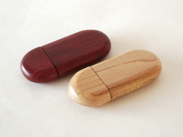 Chiave USB Legno o Bambù ovale con calamita