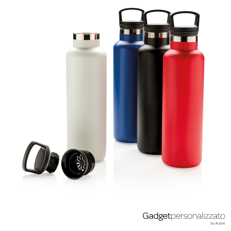 Bottiglia antigoccia isolata a vuoto 600 ml
