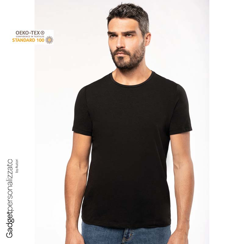 T-shirt uomo look moderno